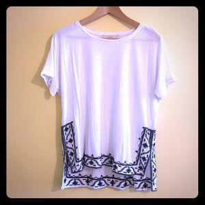 NWT: EMBROIDERED T-SHIRT BY ANN TAYLOR LOFT